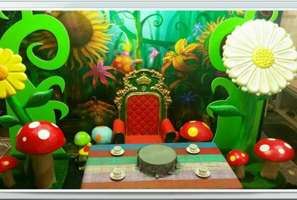 Alice In Wonderland Display 2